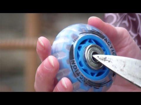 Как поменять колеса на роликах видео
