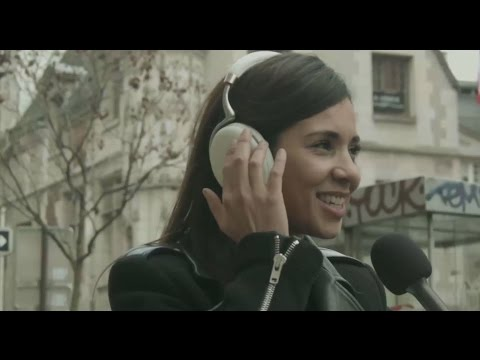 Zik 2 0 tested in the streets of Paris