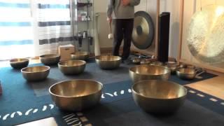 XL Klangschalen Meditation mit  8 XL Klangschalen von Peter Hess
