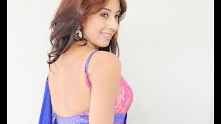 How To wear Seedha Pallu Saree hot Navel Show Bollywood
