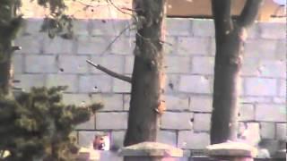 حلب - اعزاز :: استهداف مباشر للإعلامين بقذيفة 25-03-2012م