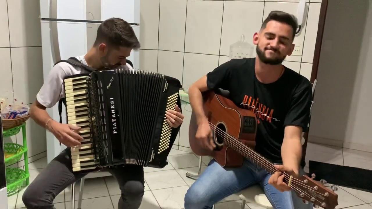 Barco de Papel - Trio Parada Dura - Gustavo Neves Acordeon e João Salluz Cantor