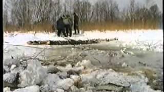 Поднятие танка из Черного озера в Косино