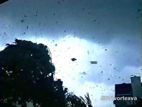 Cedar Park, Texas Tornado 1997 (Video #1)