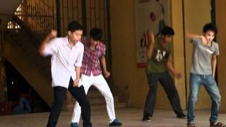 Hoàng Văn Thụ thi đấu giữa các lớp