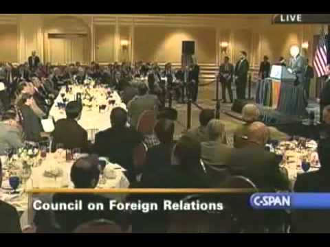 Ron Paul explains the Council on Foreign Relations and the New World Order (~8 minutes)