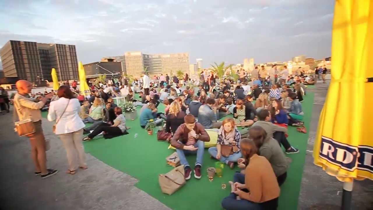 Les jardins suspendus rooftop ap ros youtube for Jardin suspendu