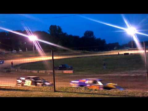 Shadyhill speedway 5/12 ump modified feature race