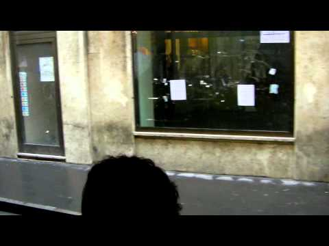 Open Shopping on the streets of Rome.MOV