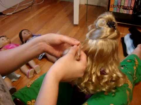 How To Manage American Girl Doll Lanie's Curls