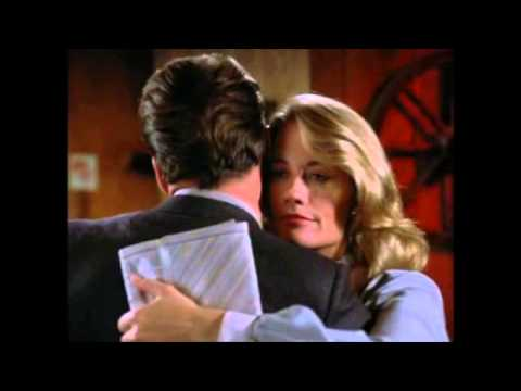 Moonlighting:  Bruce Willis and Cybill Shepherd Sing for Maddie and David.