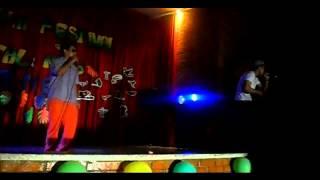 Alexis EL MAXIMO ft. Hector Romantics - Pedacito De Mi EN [En Vivo]
