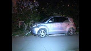 Нетрезвая автолюбительница врезалась в ограждение в своем дворе в Хабаровске. MestoproTV