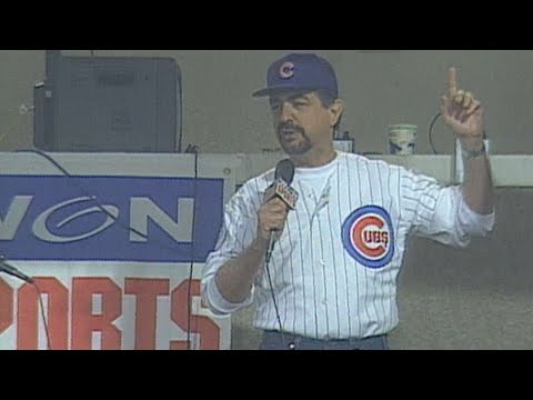 Joe Mantegna sings 'Take Me Out to the Ballgame'