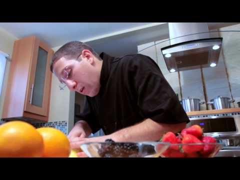 How to Cut Fresh Fruit w/ Chef Egg