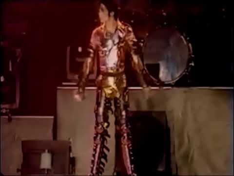 Michael Jackson - Scream Live in...