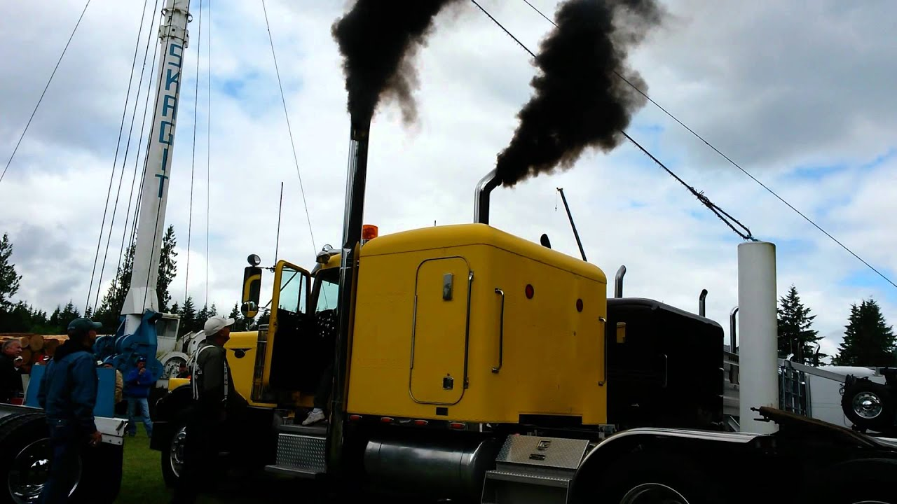 3408 Cat running and rolling coal - YouTube