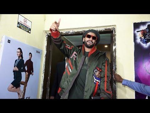 GULLY BOY Screening पर Ranveer Singh का हंगामा | Apna Time Aayega!