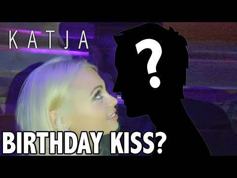 BIRTHDAY KISS? + CELEBRATIONS w Jake Paul, Justin Roberts, Tristan Tales, Amanda Cerny, Curtis