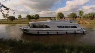 Hoe bestuur je een kanaalboot of motorboot?