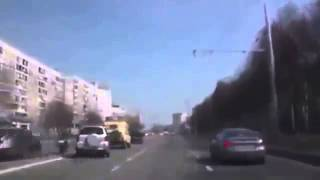 Мотоциклист врезался в машину ДТП! Авария! Видеорегистратор(, 2014-04-24T06:14:42.000Z)