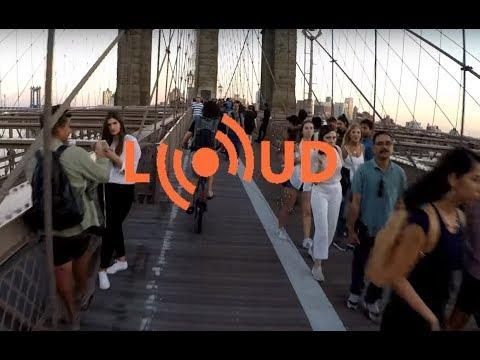Using the Loud Bike Car Horn while cycling across a crowded Brooklyn Bridge
