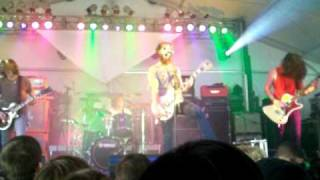 Baroness - Rays on Pinion Scion Rock Fest clip