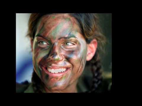 Pretty Israeli Female Soldiers