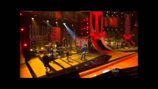 Blake Shelton & Kenny Loggins - Footloose @ CMA AWARDS 2011