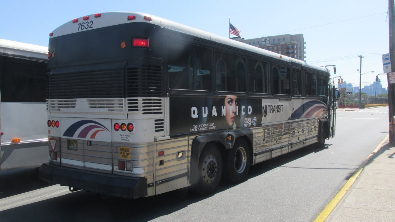 Njt Mci D4000 7632 On The 190 To New York Via Secaucus