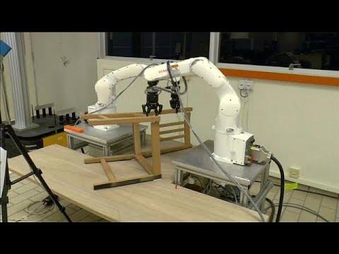 La sfida dei mobili Ikea montati da robot