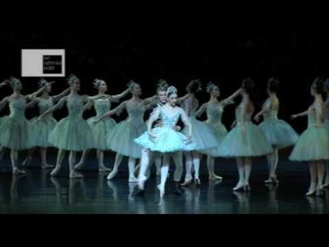 Marijn Rademaker with Maia Makhateli in the Sleeping Beauty at the Dutch National Ballet