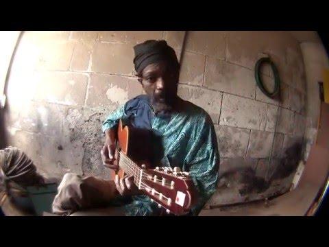 Kussondulola - -Fado Amizade - Amizade - Amizade Mangolé (Vídeo Oficial)