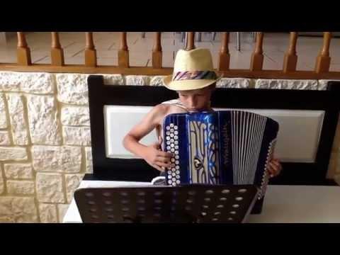 Jeune accordéoniste Mathis gougelet  ( les amants de saint jean )