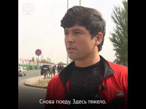 Депортированные таджики: чем они занимаются дома