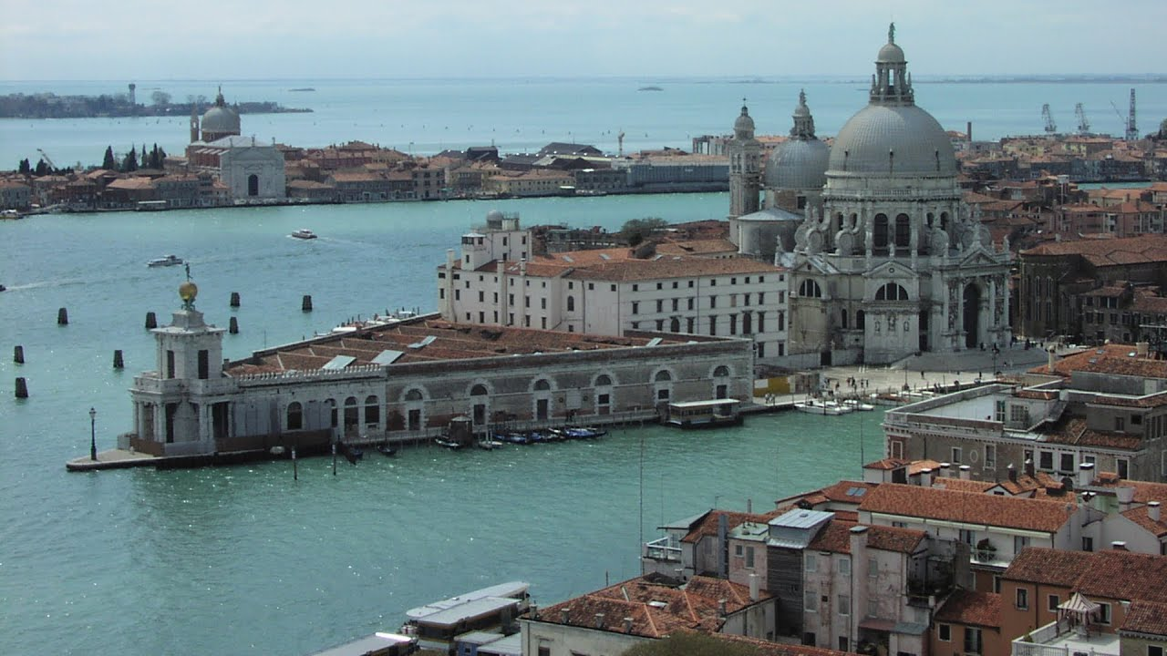 venice italy sights to see essay Here are our picks for the 10 essential attractions to round out your visit to  city's artists and elite including the painter raphael and former kings of italy .