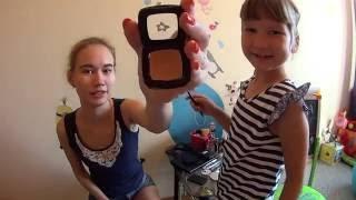 Моя младшая сестра делает мне макияж ♡ My younger sister is doing my makeup