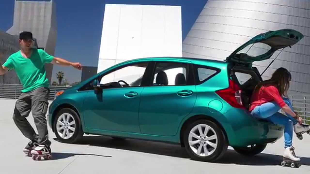 nissan note или fit