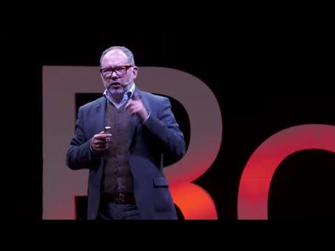 Protagonista de una cadena de milagros   Javier Artigas Herrera   TEDxRosario thumbnail