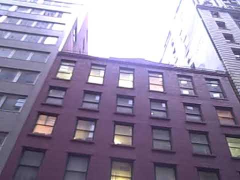 302) 160 Pearl Street Lobby