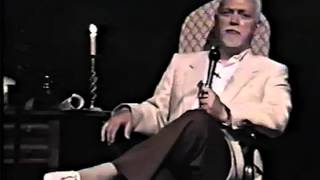 Robert Anton Wilson - The Vatican / Cocaine / CIA connection