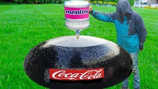Experiment Giant Coca Cola Balloon VS Mentos
