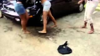 Hot Chicks Brutal Fighting In Philadelphia