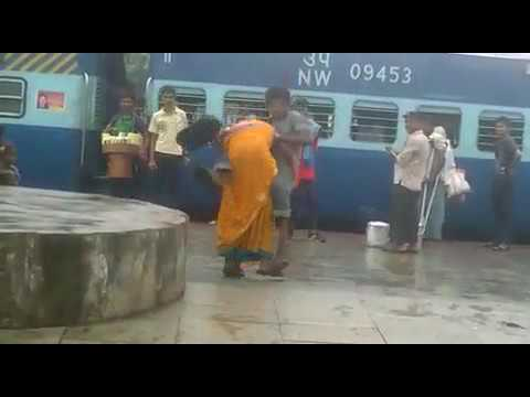 Fight video in Indian railways station in Bihta