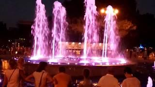 поющий цветной фонтан в Анапе, июль 2018