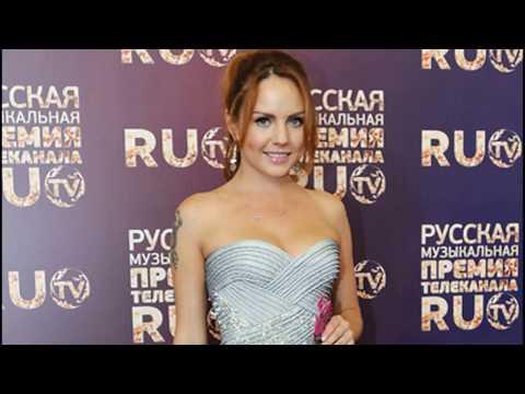 Певица Максим и ее нарядные платья