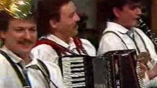 [Low quality] Geschwandtner Buam mit Vroni - Osterreichisches Potpourri