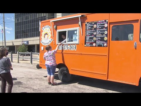 Freeport Residents Chow Down At Friday Food Truck Frenzy