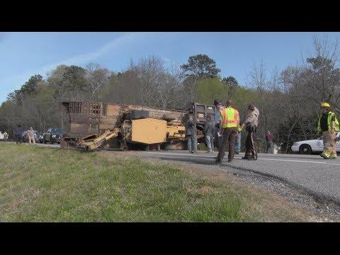 Dump truck crash shuts down Highway 27 in Summerville