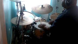 Andrae Crouch ft Marvin Winans - Let The Church Say Amen (Drum Cover)